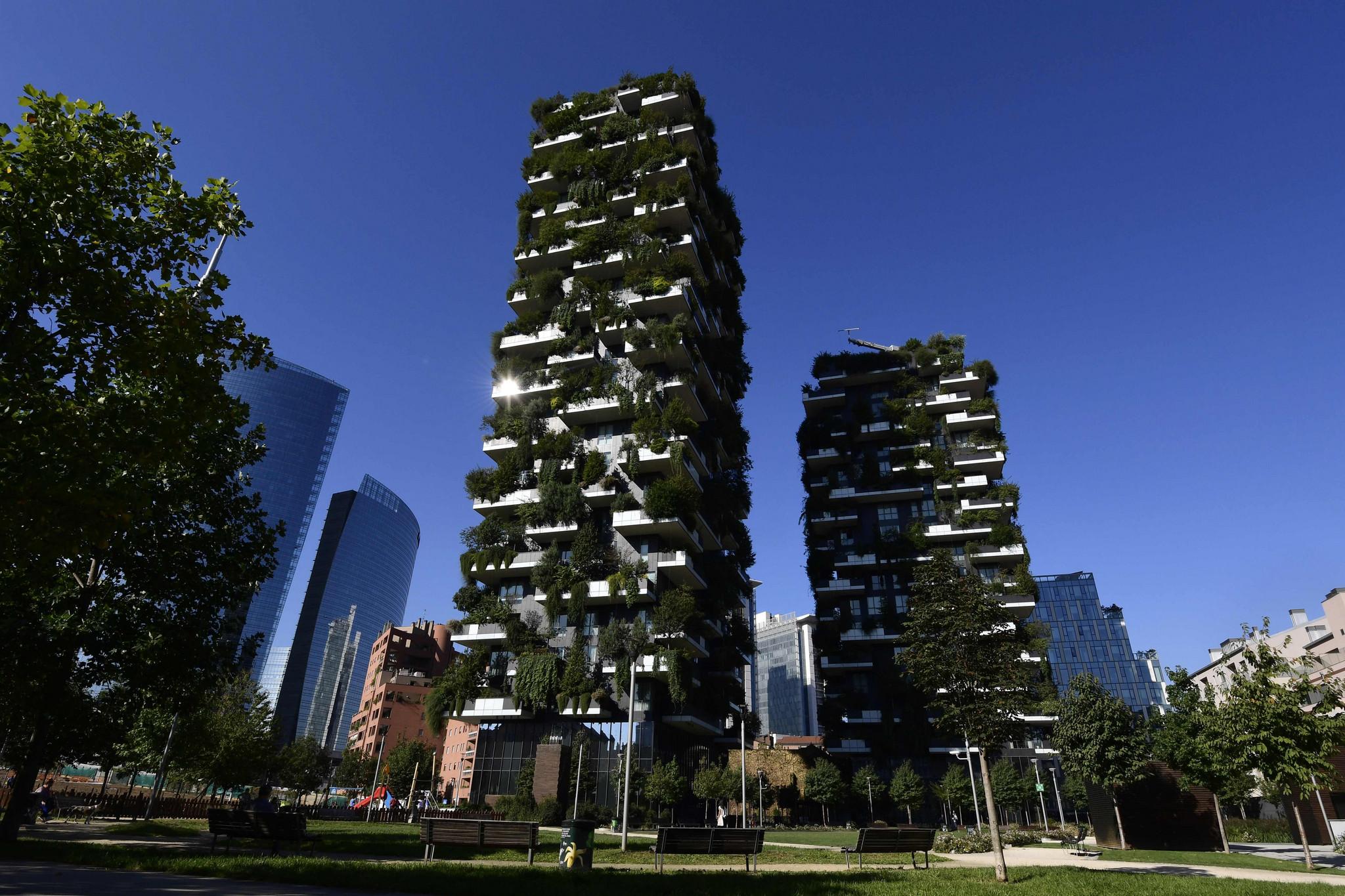 """米兰现""""垂直森林"""" 摩天楼外墙如""""穿绿衣"""""""