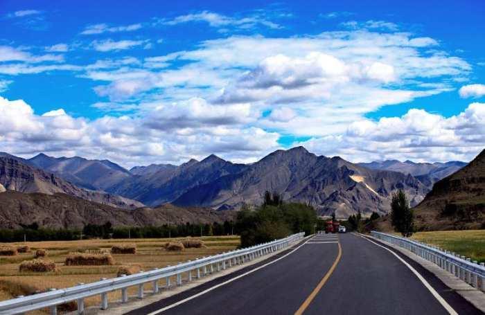 壁纸 道路 风景 高速 高速公路 公路 桌面 700_455