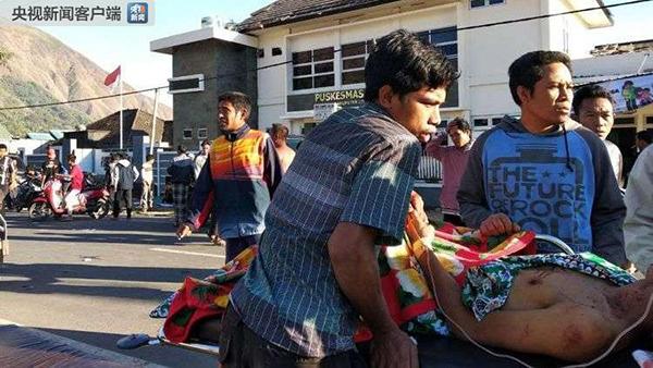 巴厘岛海域对面的一个旅游岛,目前没有接到关于有中国游客伤亡的消息.
