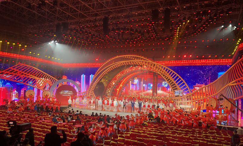 昨晚灯光耀眼,今夜群星璀璨——江西卫视春晚录制大幕图片