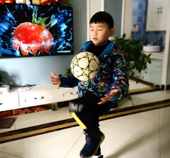 文汇报■疫情下什么都不做才是最差选择,足球青训机构纷纷转战线上