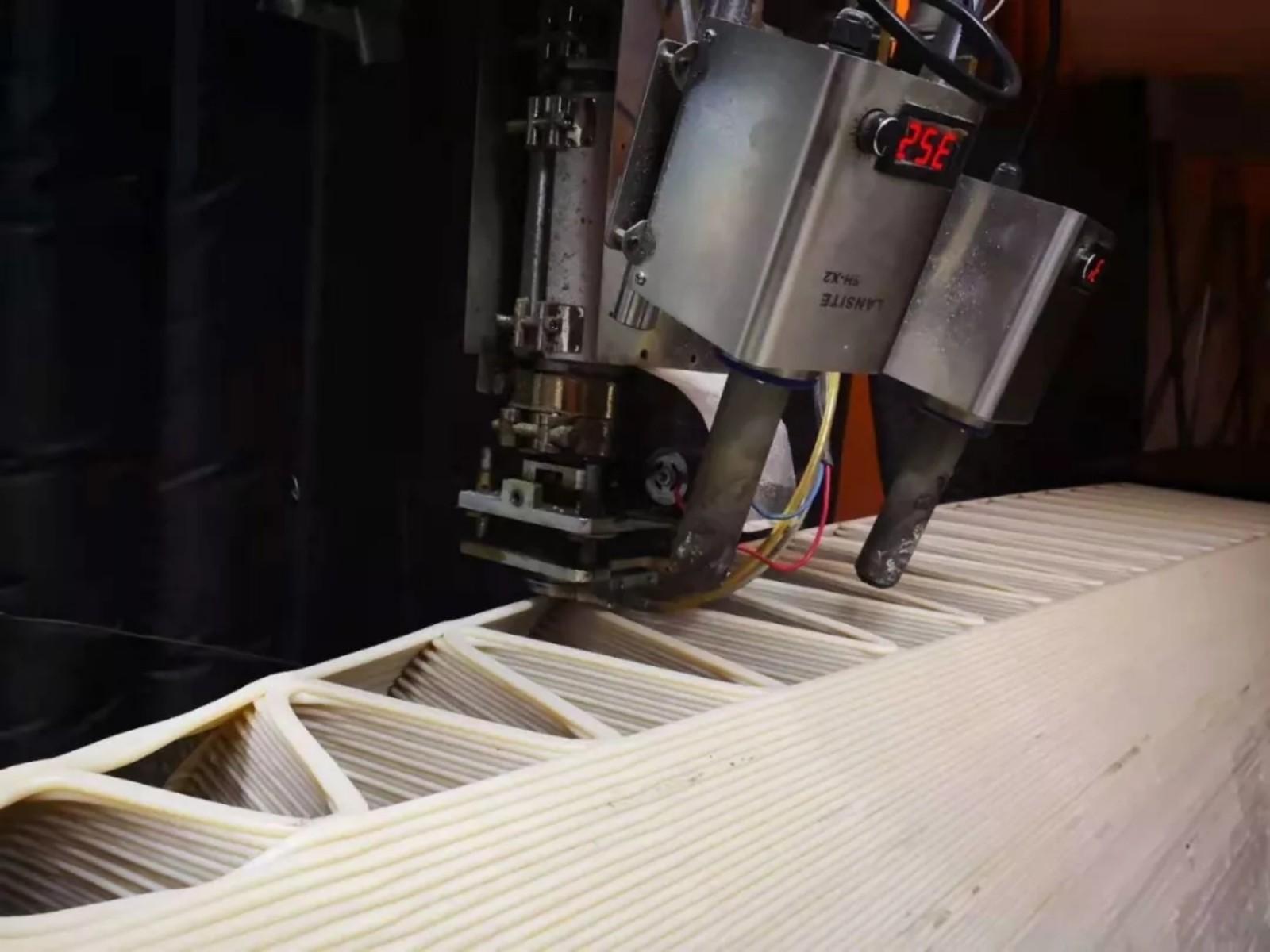 国内首座3D打印桥现身!打印35天可用30年