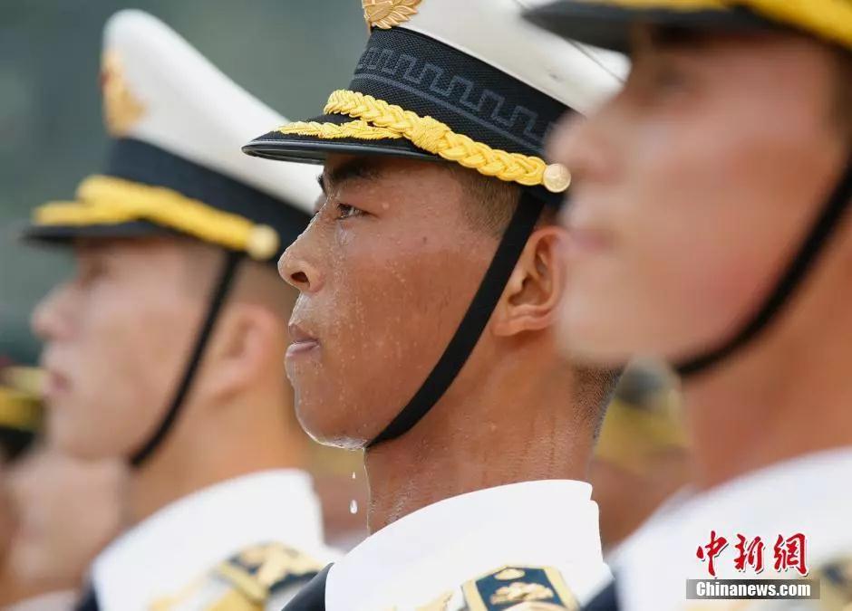 资料图:刻苦训练的战士 记者 刘关关 摄
