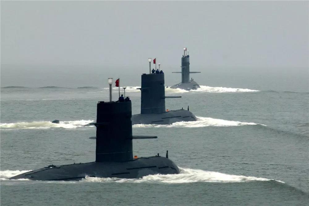 生日快乐,中国海军首支潜艇部队!