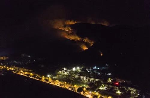 痛心!四川西昌突发森林火灾造成19人遇难