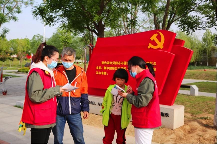 河南省荥阳市供电公司:文明放风筝 安全保供电