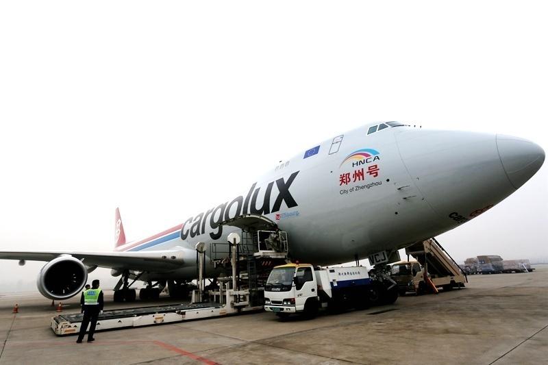"""一飞冲天!郑州客机""""带货""""叫响全球"""