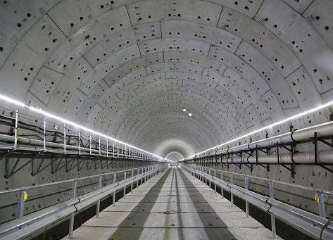 已成型的汕头海湾隧道.JPG