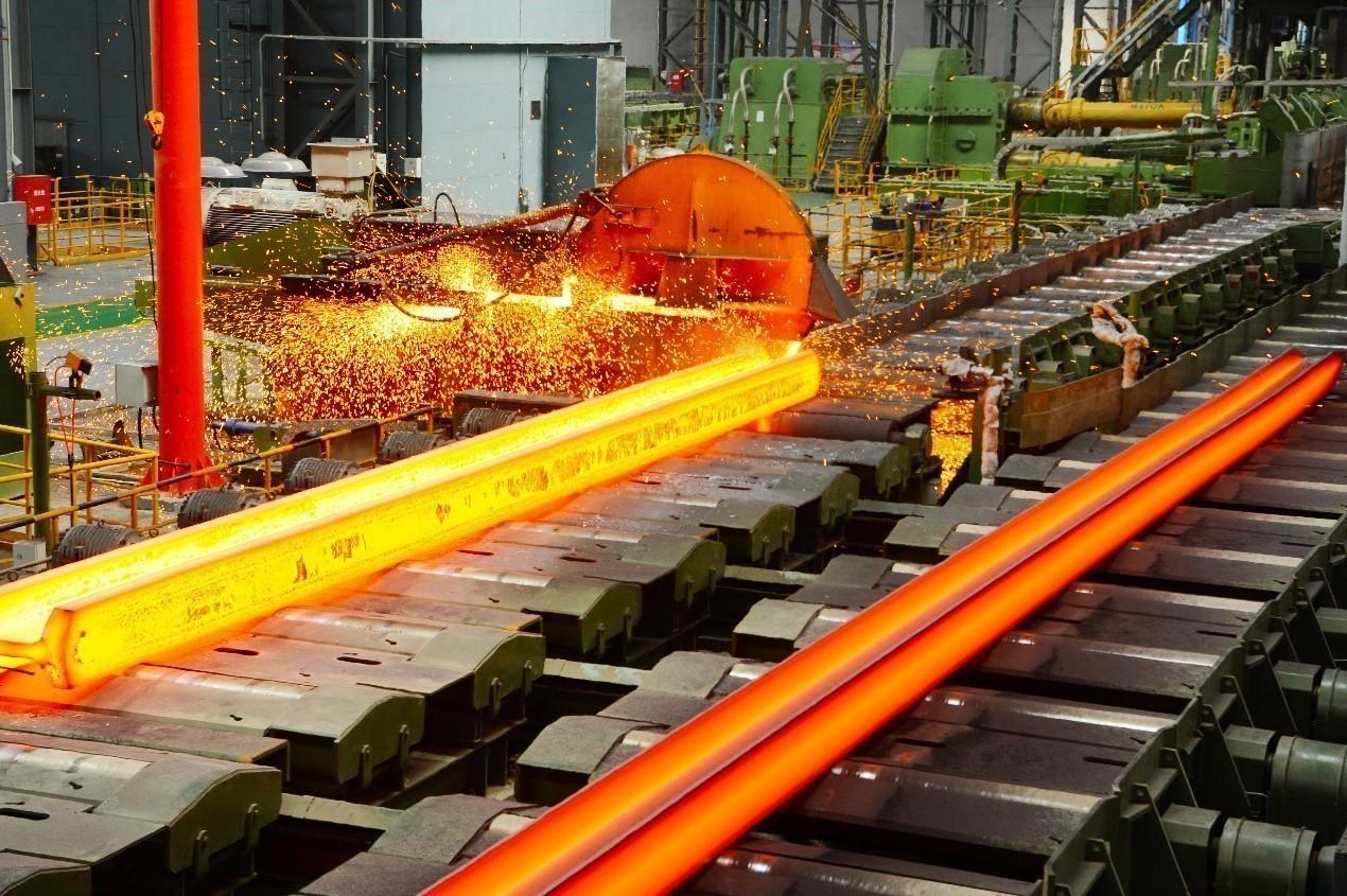 图为繁忙的马钢重型热轧H型钢生产线。袁加权摄(人民视觉).jpg?x-oss-process=style/w10
