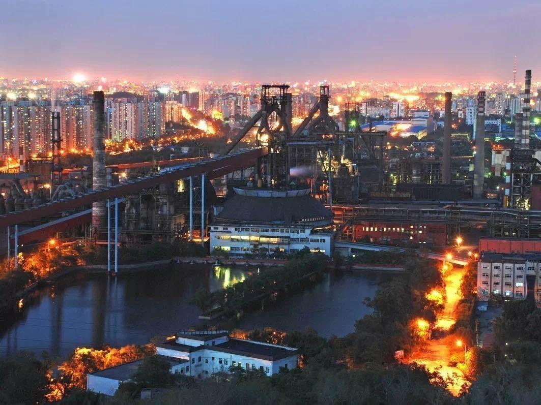 图为停产前的首钢。图片来源:中国冶金报社官方微信.jpg?x-oss-process=style/w10