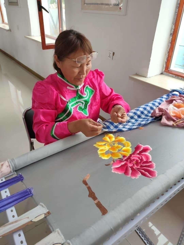 一根绣针:传承传统文化 秀出美好生活