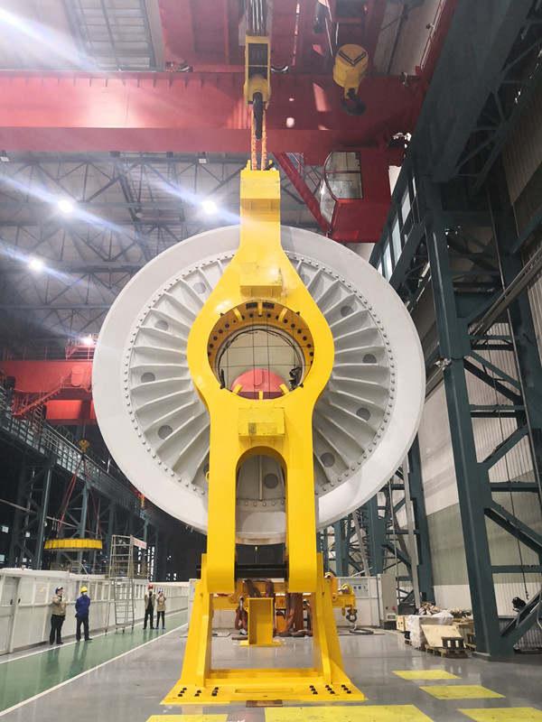 国内首台陆上5.5兆瓦永磁直驱风力发电机在东方电机山东风电电机制造基地研制成功2_副本.jpg?x-oss-process=style/w10