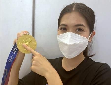 泰国选手的东京奥运金牌也掉皮:我很伤心,希望更换