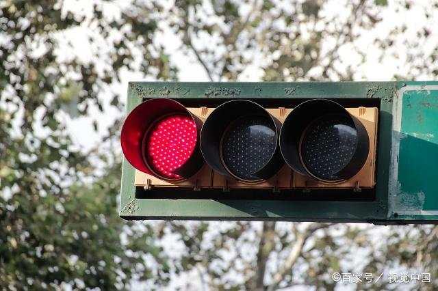 为什么每当你遇到一个红灯,就会一路红灯?真不是运气差