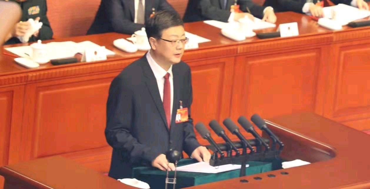 澳门都市报总编辑武跃先携团队采访北京十五届人大三次会议开幕式