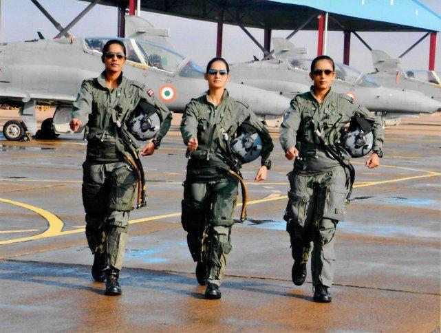 资料图:印度空军女飞行员