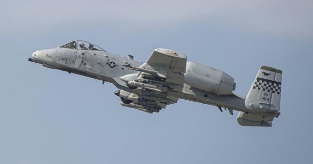 """A-10""""雷电II""""攻击机(资料图)"""